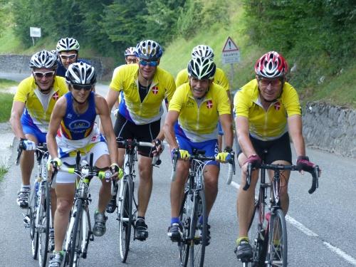 le vélo, un sport individuel pratiqué en groupe